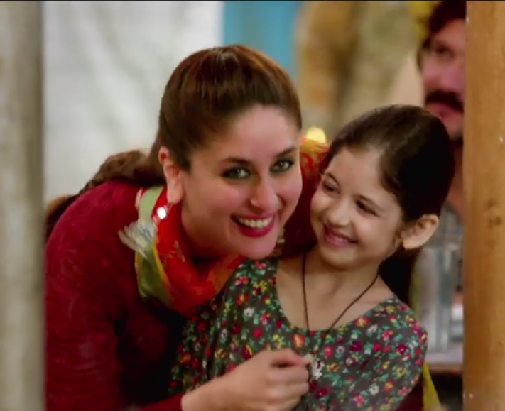 Bajrangi Bhaijaan Harshaali Malhotra Child Girl Actress Bio Mother Family Pictures With Salman 02