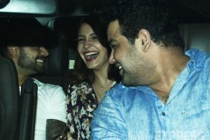 Anushka Sharma Family Pictures Brother, Mother, Father 04