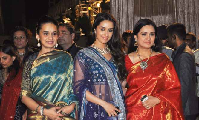 Shraddha Kapoor two family
