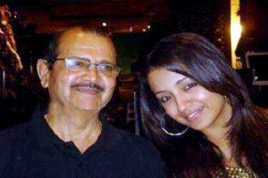 Trisha Krishnan with father