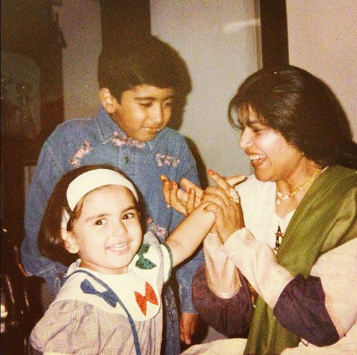 Hansika Motwani Childhood Pictures With Mother Brother