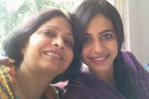 Rakul Preet Singh Family Background Photos Father Mother Brother Sister Name