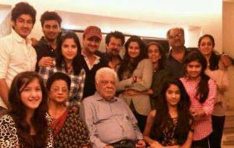 Sonam Kapoor Family Tree Background Details Father Mother Sister