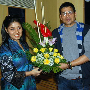 Sunidhi Chauhan Pictures with Father