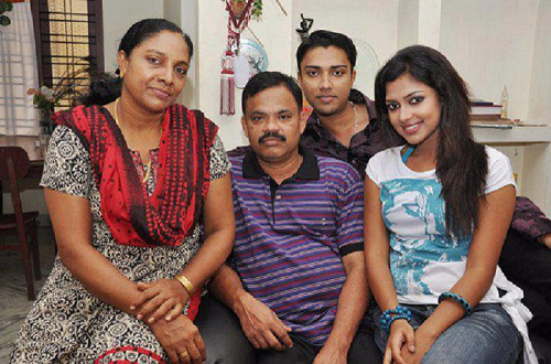 Amala Paul Family Pictures Bor Mom Dad