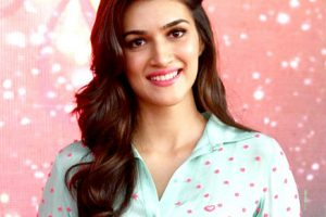 Kriti Sanon Upcoming Movies 2017, Family, Affairs, DOB Biography