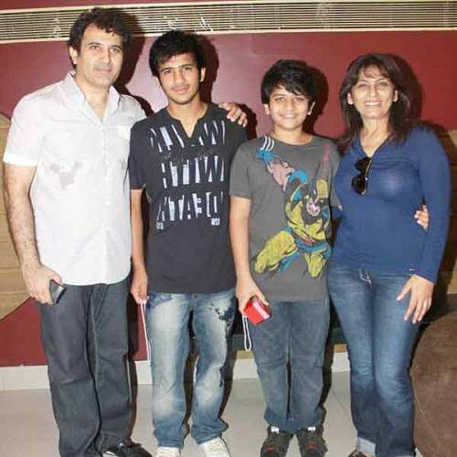Archana Puran Singh Family Pictures Son Husband Background ...