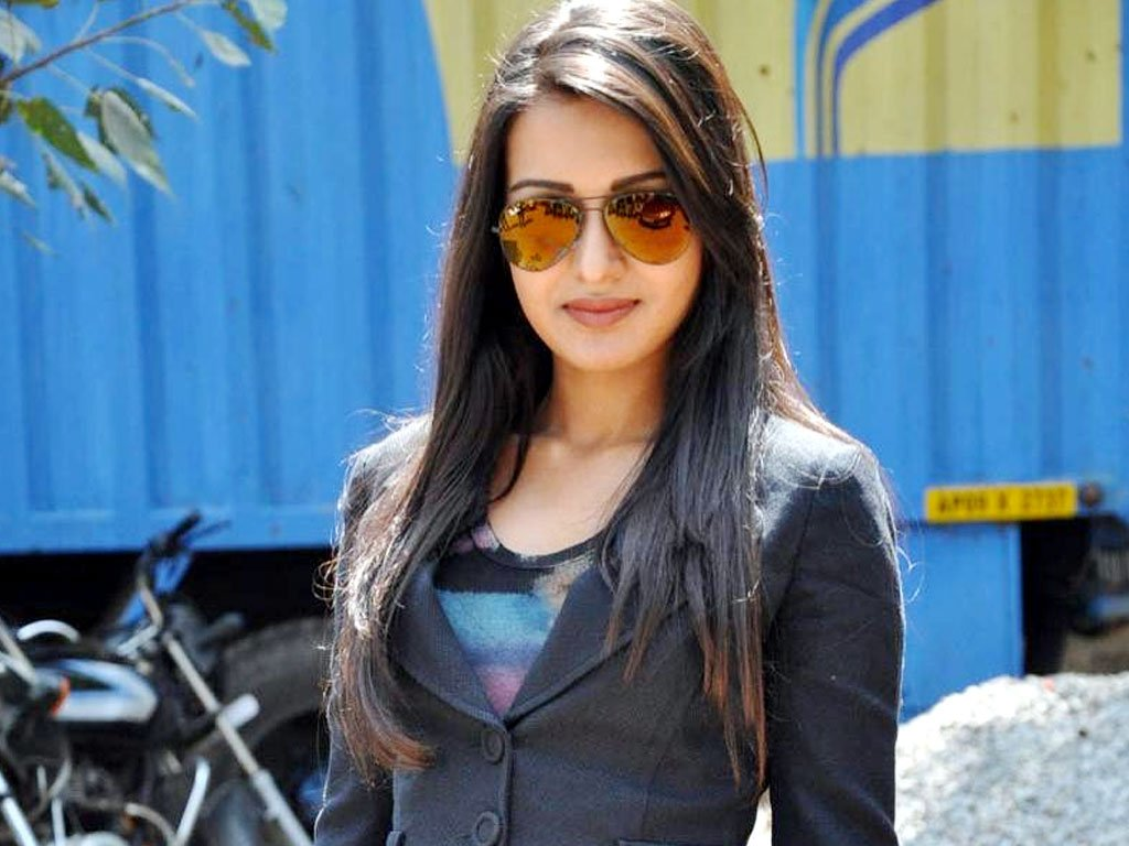 Catherine Tresa Family Brother Biography Upcoming Movies List 2016-2017