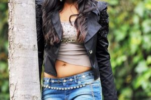 Catherine Tresa Upcoming Movies 2016 Family, Age, Brother, Husband