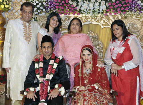 Sania Mirza Family Members Names Background Upcoming Tournament 2016 05