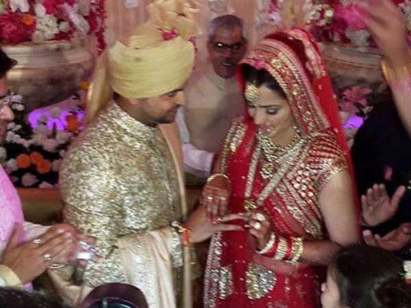 Suresh Raina Family Members Name Pictures Brothers Sisters Wife Mother Father