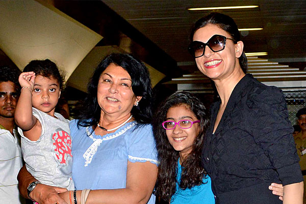 Sushmita Sen Family Daughter Sister Brother Husband Mother Kids Pictures 03