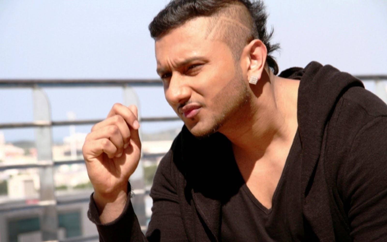 Yo Yo Honey Singh New Hairstyle 2018 Pictures Download 1