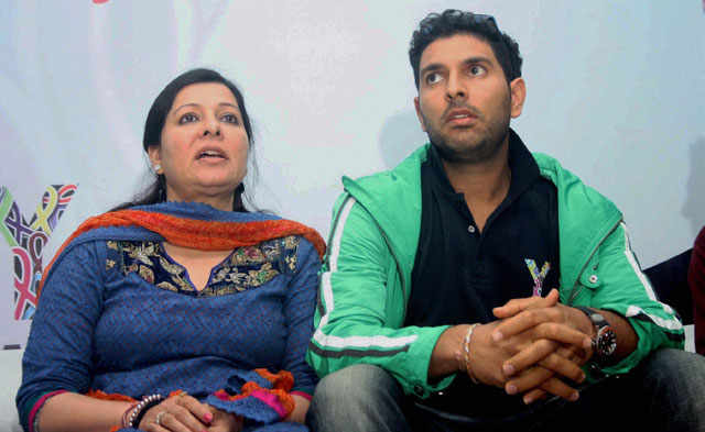 Yuvraj Singh Family Members Name 2018 Brother Father Mother Wife