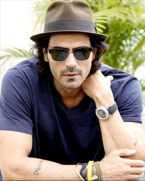 Arjun Rampal Family Pictures, Wife, Daughter Father, Mother