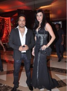 Mika Singh Family Members Photo, Wife, Brother, Father,