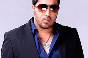 Mika Singh Family Members Photo, Wife, Brother, Father