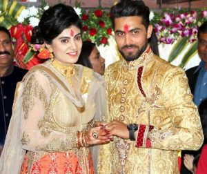 Ravindra Jadeja Family Pictures Background Father, Mother Sister..........