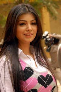 Ayesha Takia Family Pics, Husband Name, Parents, Son