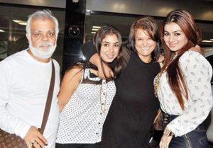 Ayesha Takia Family Pics, Parents, Sister
