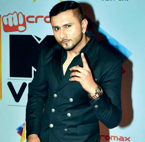 Singer Yo Yo Honey Singh Family Background, Father, Mother, Wife Photos