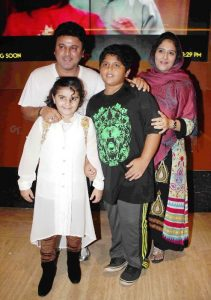 Ali Asgar Family Photo, Wife, Daughter, Father Mother NameAli Asgar Family Photo, Wife, Daughter, Father Mother Name
