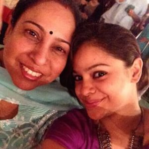 Sumona Chakravarti Father, Mother Photos