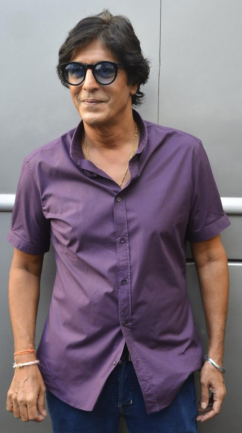 Chunky Pandey Son, Wife, Mother, Father Name, Family Photos