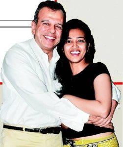 Radhika Apte Family Photos, Father, Mother Name