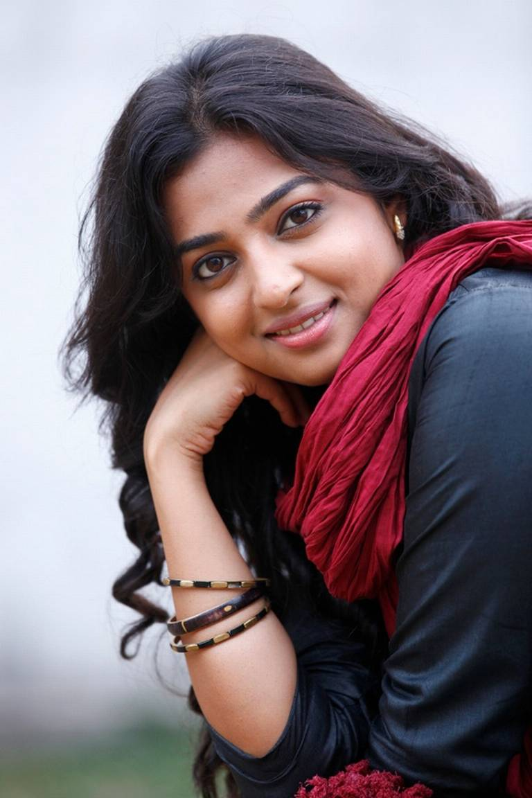 Radhika Apte Husband, Family Photos, Father, Mother Name
