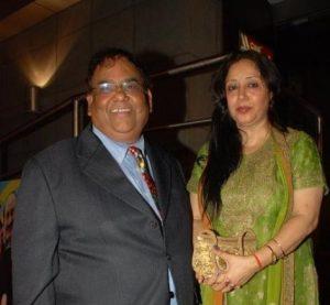 Satish Kaushik Wife Name, Family Photos