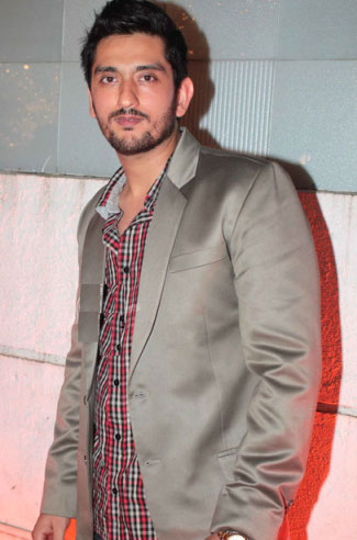 Shaad Randhawa Wife, Family Photos, Father And Mother Name