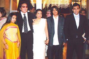Akshaye Khanna Wife Name, Father,, Family Photos