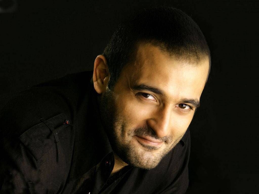 Akshaye Khanna Wife Name, Father, Mother, Family Photos