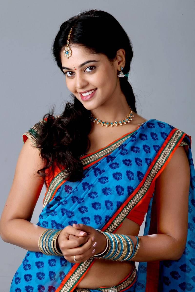 Actress Bindu Madhavi Family Photos Biography Height Age