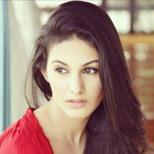 Amyra Dastur Family Photos, Father, Husband, Age, Height