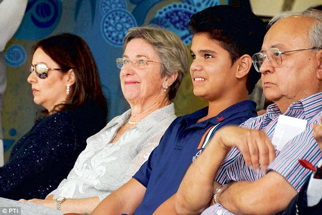 Anjali Tendulkar Family Background, Father And Mother Name, Biography