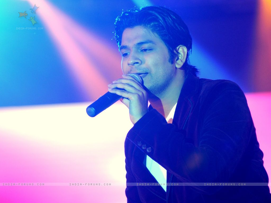 Ankit Tiwari Family Pics, Wife, Age, Height biography