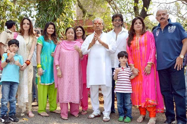 Hrithik Roshan Family Photos, Father Name, Mother, Biography