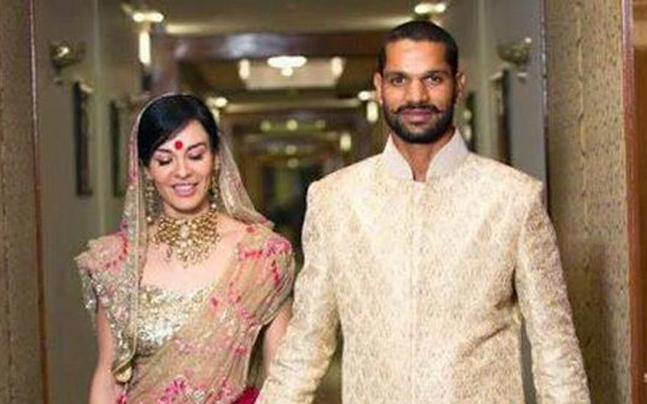 Indian Cricket Team Players With Wife Photos,3