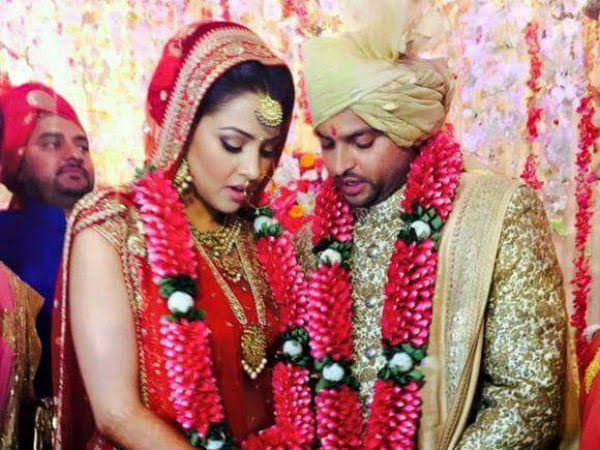 Indian Cricket Team Players With Wife Photos,7