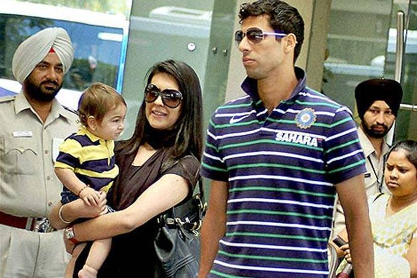 Indian Cricket Team Players With Wife Photos,8