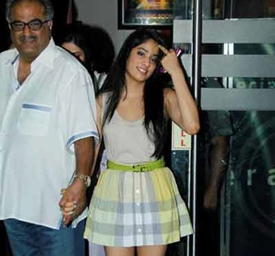 Jhanvi Kapoor Family Photos, Father, Age, Biography