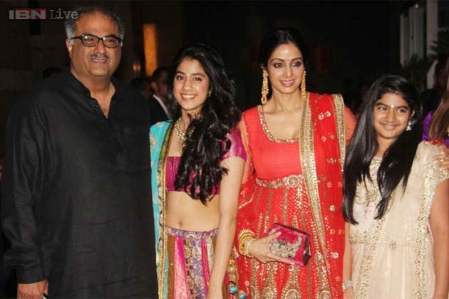 Jhanvi Kapoor Family Photos, Father, Mother, Biography