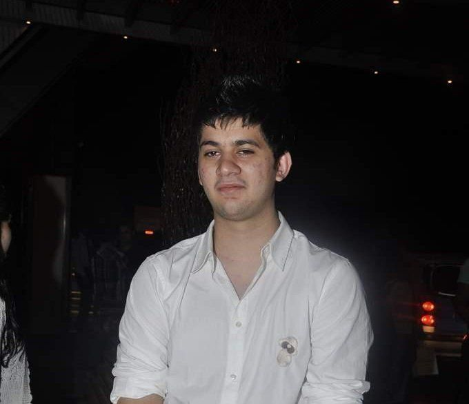 Karan Deol Family Photos, Father, Mother, Age, Biography