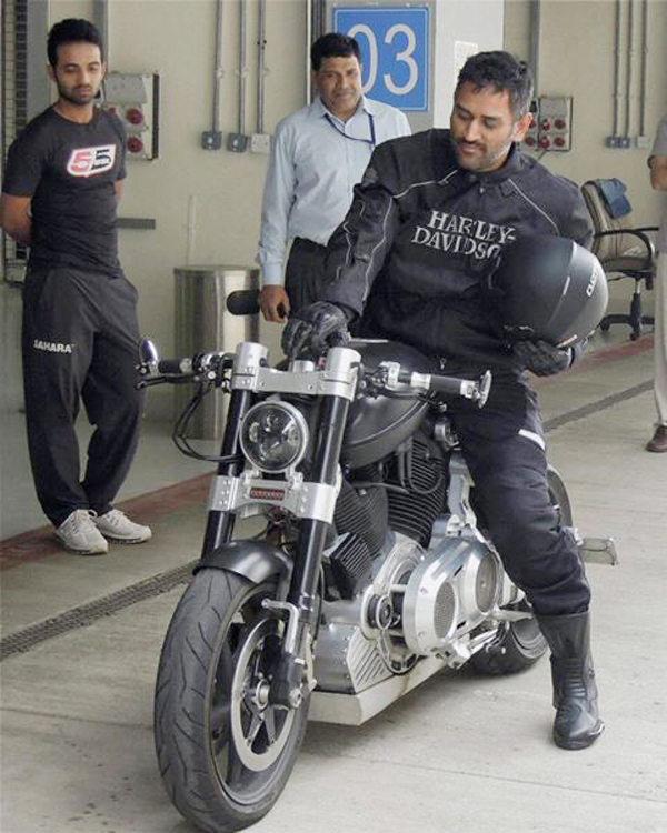 Mahendra Singh Dhoni Net Worth 2021 In Rupees