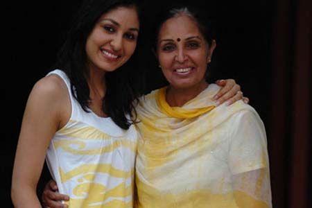 Pooja Chopra Family Pics, Husband, Biography