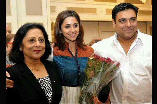 Ram Kapoor Family Pics, Father, Mother, Wife Name, Daughter, Biography