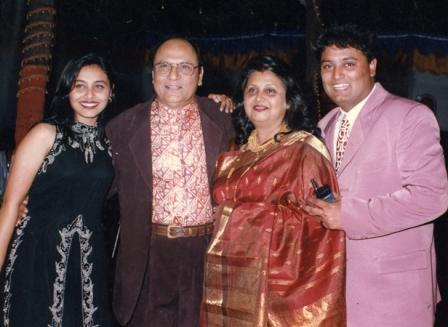 Rani Mukherjee Family Photos, Husband, Daughter, and Mother Name