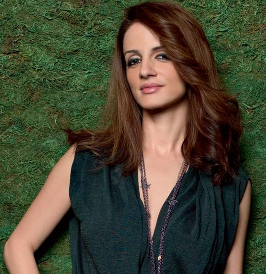 Suzanne Khan Family Photos, Father, Age, Biography